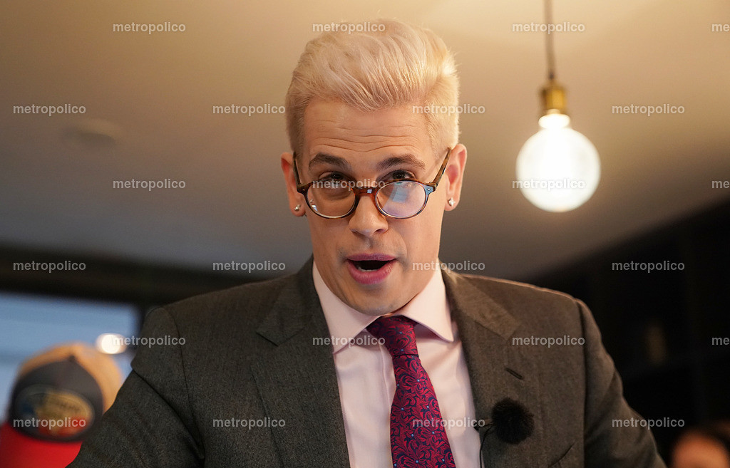 Milo Yiannopoulos (22)