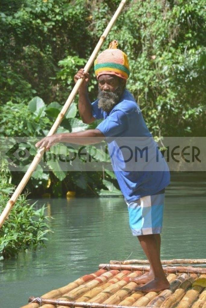 Fotoausstellung Bilder vom Meer | Flossführer beim Riverrafting in Jamaika