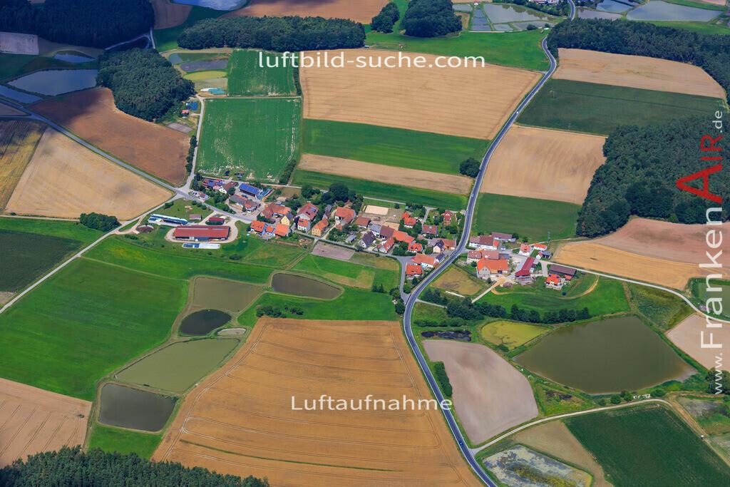grossneuses-hoechstadt-17-4881 | Luftbild von Grossneuses Hoechstadt - Luftaufnahme wurde 2017 von https://frankenair.de mittels Flugzeug (keine Drohne) erstellt - die Geschenkidee