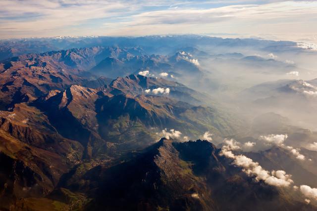 Irgendwo über den Alpen | Über den Alpen auf einem Flug von Berlin nach Bergamo.