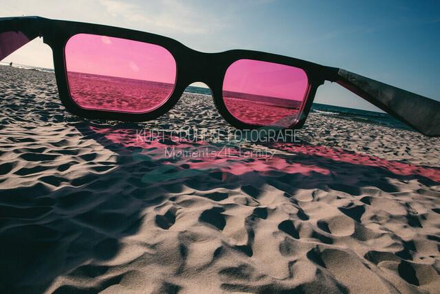 Strandmotiv, Sonnenbrille am Starnd | Sonnenbrille am Strand von Zingst