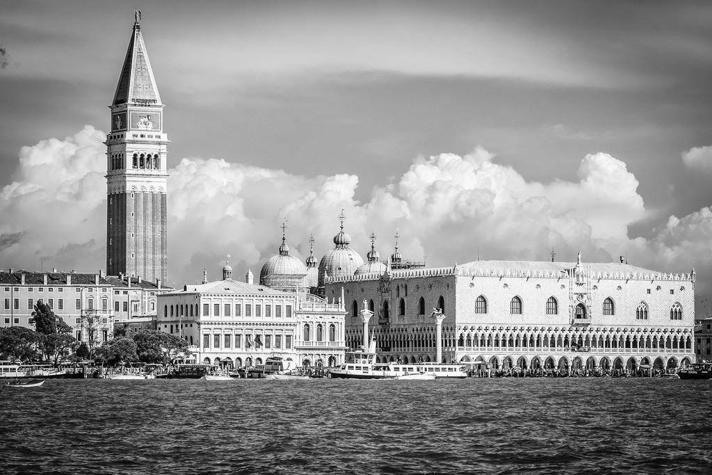 Venice-bnw-15