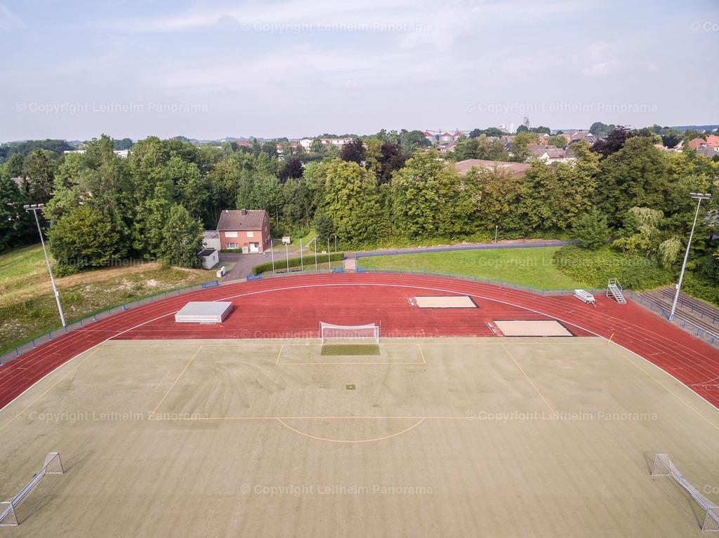 15-08-11-Leifhelm-Panorama-Jahnstadion-Roemerkampfbahn-01