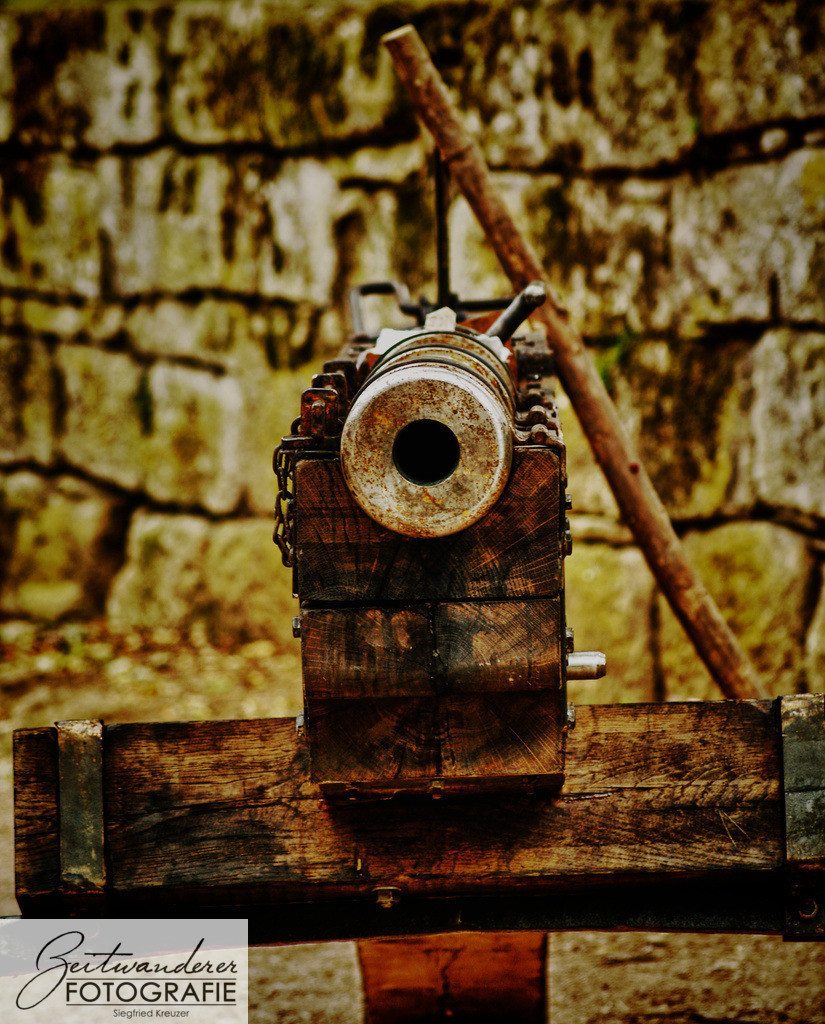 Kanone   OLYMPUS DIGITAL CAMERA