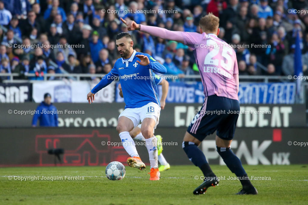 191221svdvshsv_1056 | 21.12.2019 Fussball 2.Bundesliga, SV Darmstadt 98-Hamburger SV emspor, despor  v.l.,  Serdar Dursun (SV Darmstadt 98),Timo Leibold (Hamburger SV)    (DFL/DFB REGULATIONS PROHIBIT ANY USE OF PHOTOGRAPHS as IMAGE SEQUENCES and/or QUASI-VIDEO)