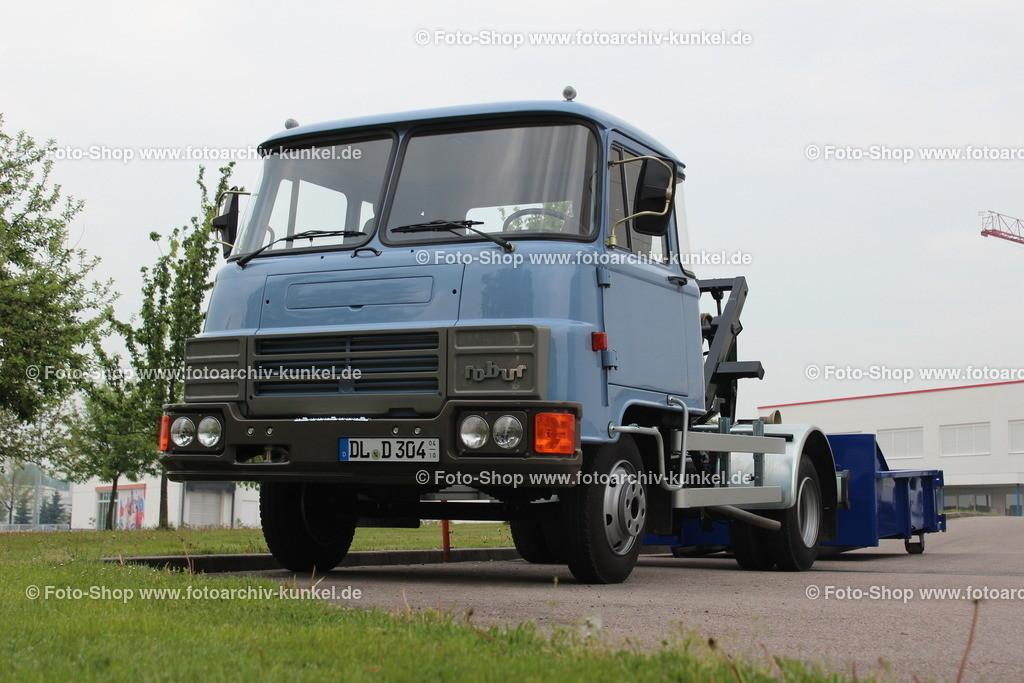 Robur LD 3004 Absetzkipper 4x2 (mit Deutz-Diesel), 1990-1991 | Robur LD 3004 Absetzkipper 4x2, Farbe: Hellblau, Bauzeit 1990-1991/92, Motor Deutz-Diesel KHD F4L912F (KHD = Klöckner-Humboldt-Deutz), Hubraum 4086 cm³, Leistung 73 PS, Hersteller: Robur-Werke GmbH Zittau BRD, Stückzahl des Robur LD 3004: ca. 350 Einheiten