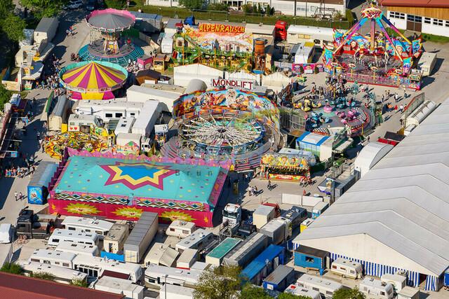 luftbild-traunstein-fruehligsfest-bruno-kapeller-36 | Luftaufnahme vom Traunsteiner Fruehlingsfest 2016