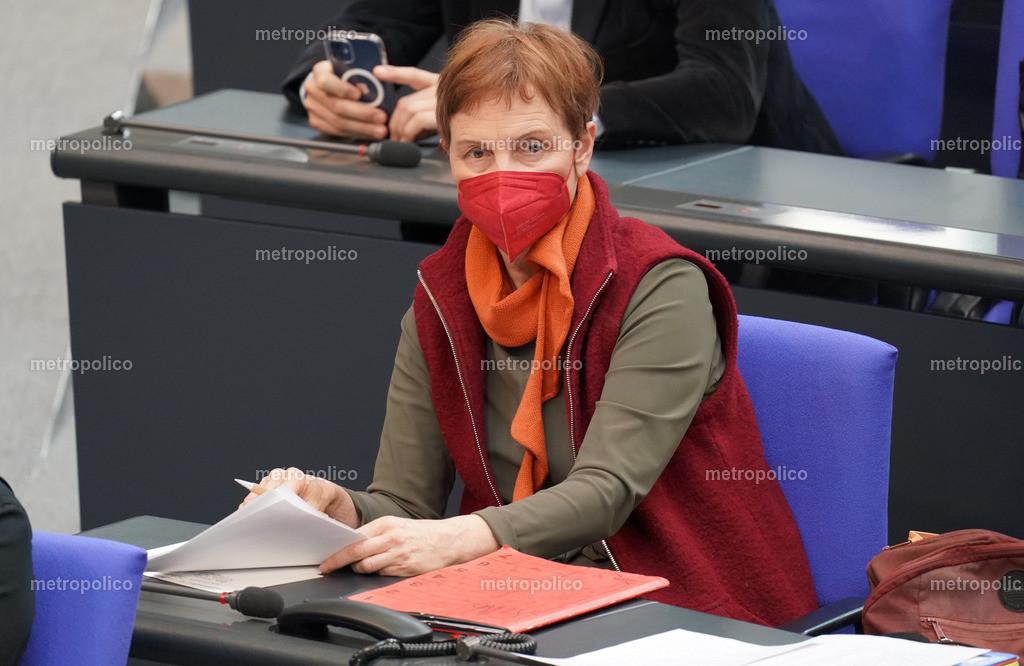 Sabine Leidig mit Maske