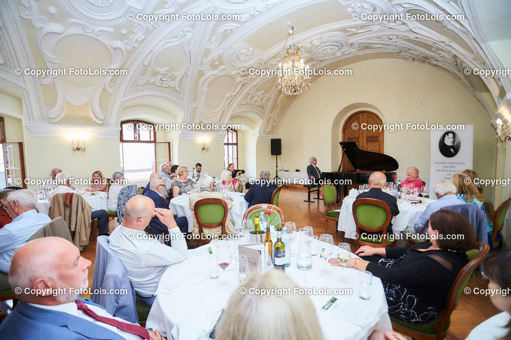 L1_2943_XXXVI-Chopin-Festival_Dinnerkonzert_HENRY Yves | (C) FotoLois.com, Alois Spandl, 36. Chopin-Festival in der Kartause Gaming, Auftritt Yves Henry, Frederic Chopin, Valse As-Dur op. 34/1, Polonaise-Fantasie As-Dur op. 61, Valse Des-Dur op. 64/1 'Minutenwalzer', Sa 15. August 2020.