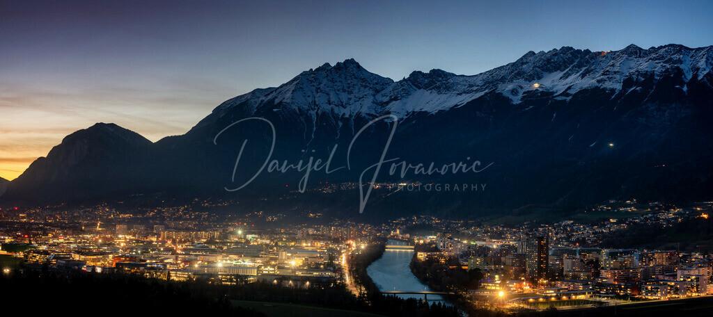 Innsbruck am Abend | Innsbruck Panorama mit Nordkette