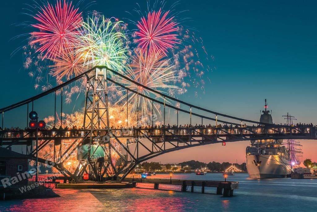 20180701-KW Brücke WHV Feuerwerk