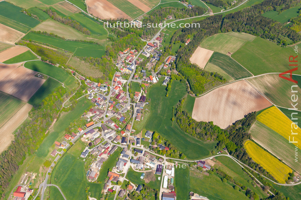 alladorf-19-236   aktuelles Luftbild von Alladorf  - Luftaufnahme wurde 2019 von https://frankenair.de mittels Flugzeug (keine Drohne) erstellt.