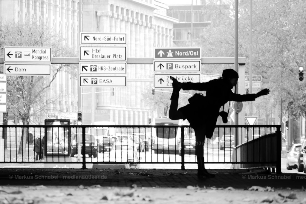 Traffic Sign Yoga 001