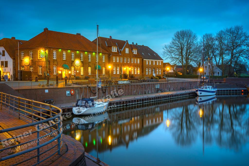 161119-1-Hooksiel Alter Hafen Nacht