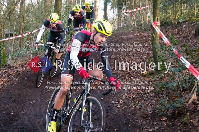 Radsport, Stevens Cyclocross Cup 2019, 10. Lauf (RSG Nordheide), Rennen 9 (Elite Herren + U23, Masters 2 / Elite Ü40 und Junioren U19), Buchholz i.d.N., 19.01.2020 | Jannick Geisler (Harburger RG, #2, Elite)