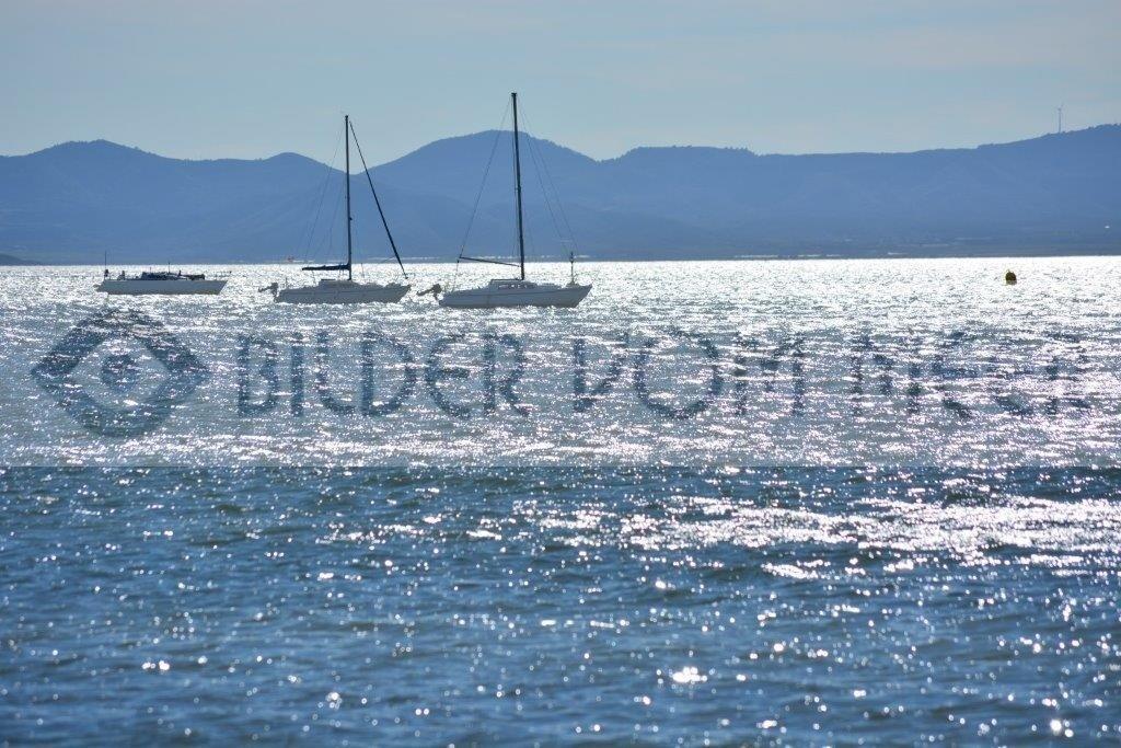 Fotoausstellung Bilder vom Meer   Schiffe im Gegenlicht
