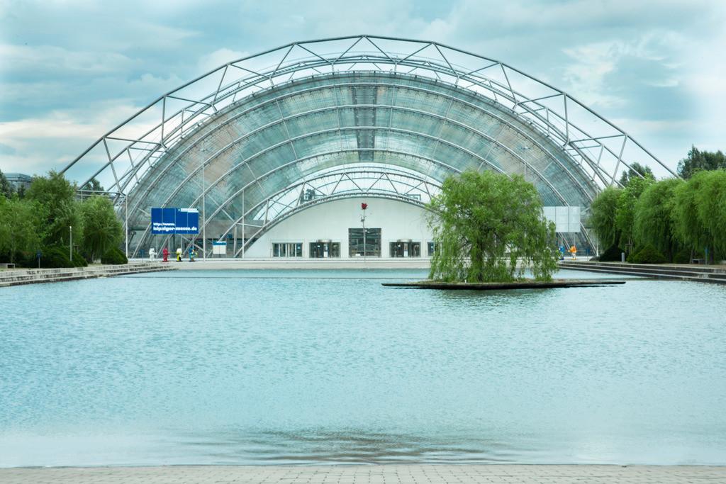 20090710_3460a | Messe Leipzig, Glashalle, Merkurbrunnen, Leipzig, 1996, Deutschland