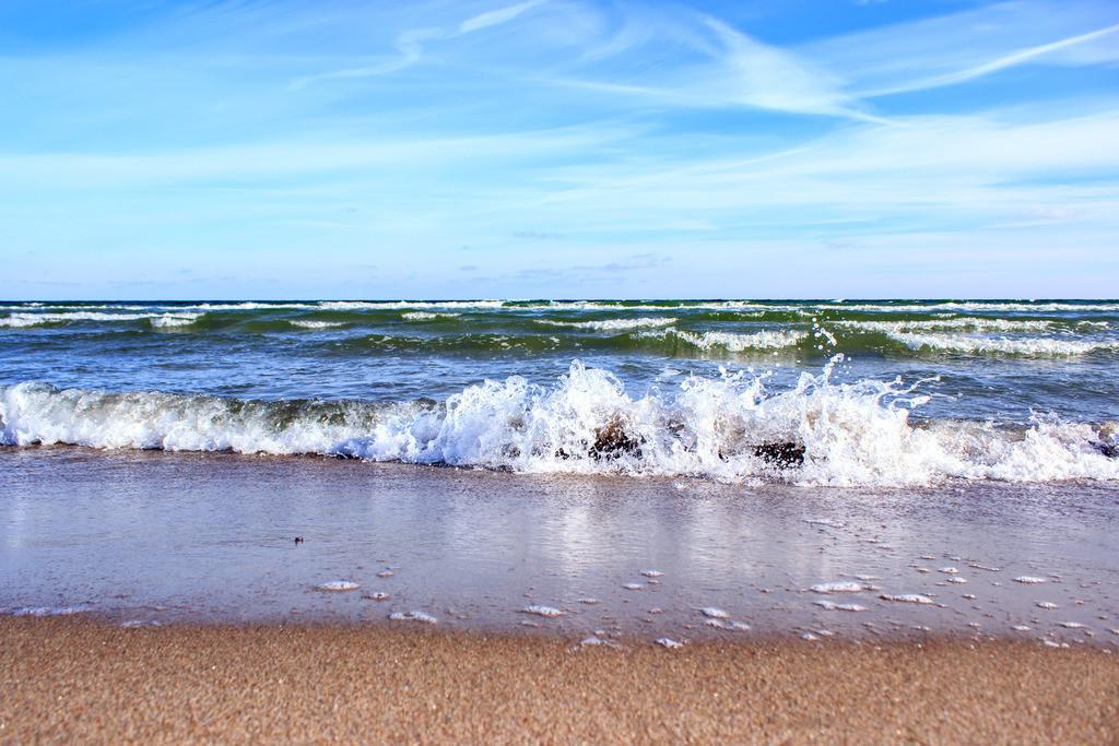 Strand in Weidefeld | Wellen am Weidefelder Strand im Winter