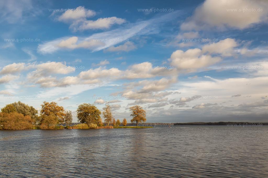 Beim Schweriner Schloss | Blick vom Schloss auf den See