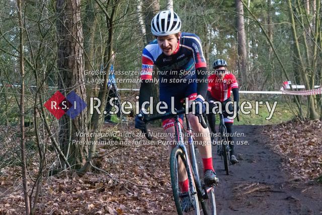 Radsport, Stevens Cyclocross Cup 2019, 10. Lauf (RSG Nordheide), Rennen 9 (Elite Herren + U23, Masters 2 / Elite Ü40 und Junioren U19), Buchholz i.d.N., 19.01.2020 | Tom Pietsch (Bad Doberaner SV 90, #28, Elite)