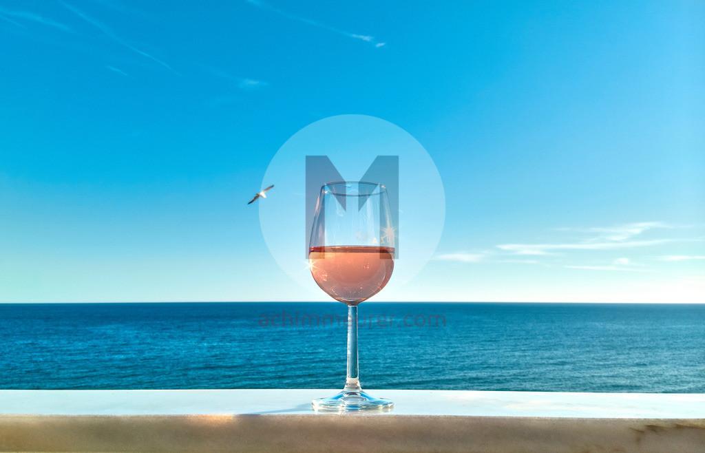 Chillout mit Meerblick am Strand von Albufeira, Algarve, Portugal | Shot with DxO ONE