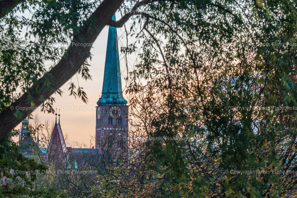 St. Jakobi im Herbst | Ein Blick auf St. Jakobi im Herbst.