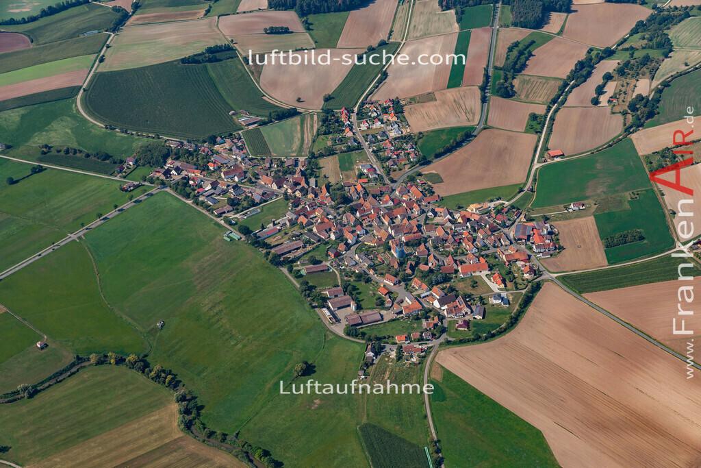 oberhoechstaedt-19-577   aktuelles Luftbild von Oberhoechstaedt   - Luftaufnahme wurde 2019 von https://frankenair.de mittels Flugzeug (keine Drohne) erstellt.