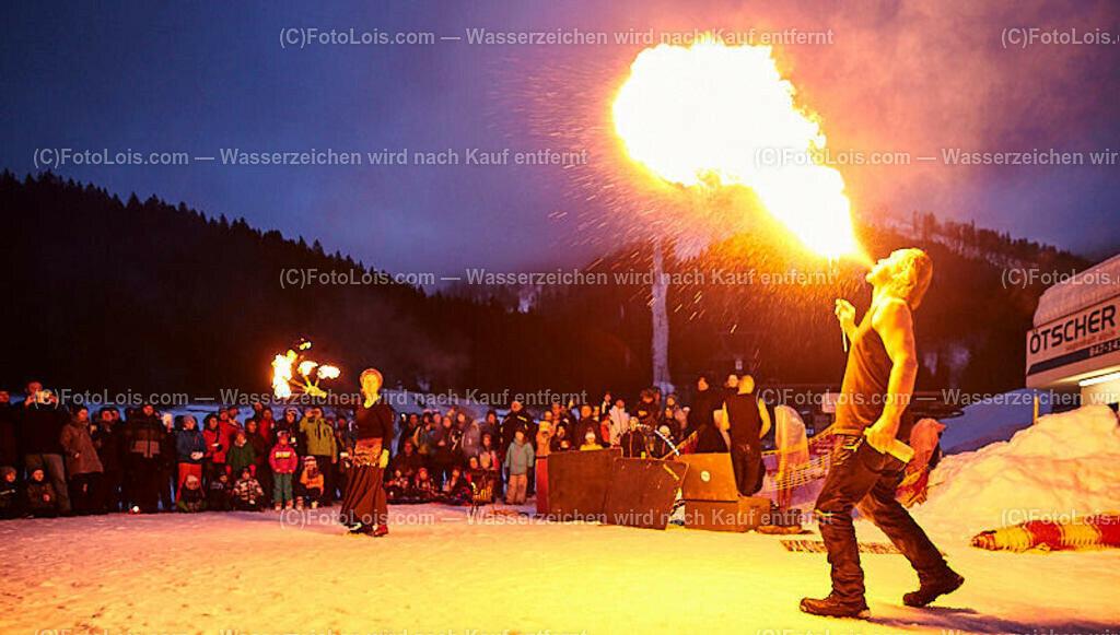 072_FIRE-ICE_Lackenhof | (C) FotoLois.com, Alois Spandl, FIRE & ICE in Lackenhof bei der Schirmbar im Weitental mit der Liveband àlaSKA, Feuershow von FEUERMATRIX, feurige Kulinarik, Pistenraupentaxi und dem großen Abschlussfeuerwerk zum Beginn der Semesterferien, Sa 2. Februar 2019.