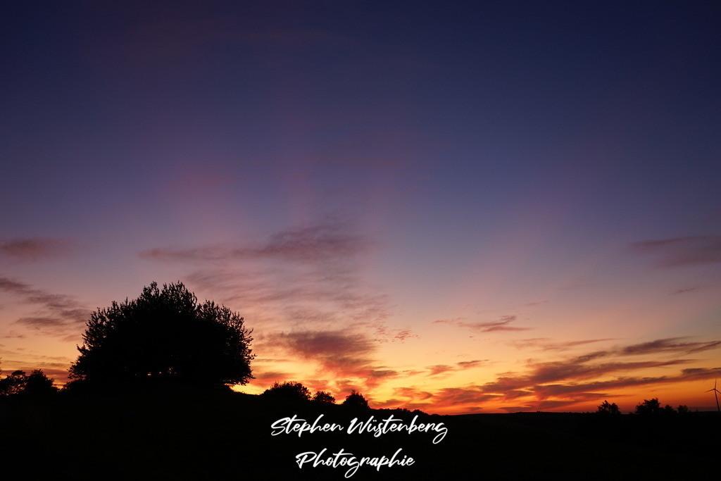 Sunset Gundersweiler | Stimmungsvoller Sonnenuntergang mit Strahlenkranz bei Gundersweiler