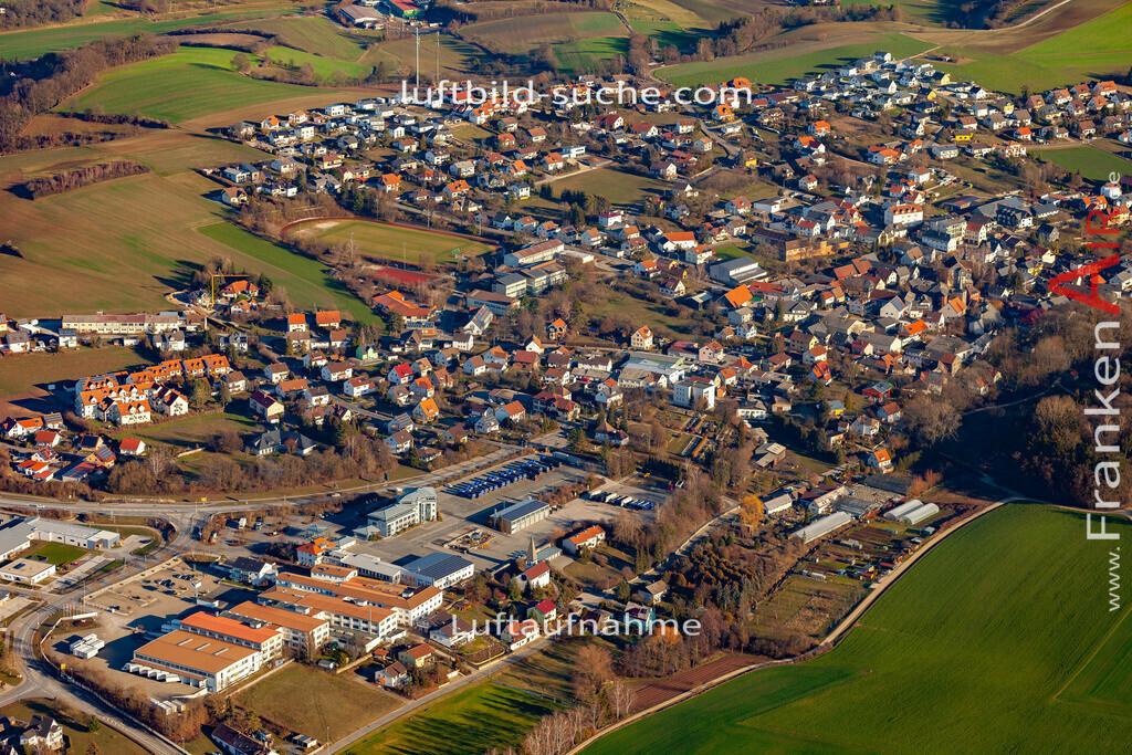 untersiemau-19-311 | aktuelles Luftbild von  Untersiemau - Luftaufnahme wurde 2019 von https://frankenair.de mittels Flugzeug (keine Drohne) erstellt.