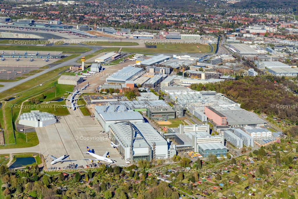 Hamburg Fuhlsbüttel Airport_D_ELS_5849180420 | Hamburg - Aufnahmedatum: 18.04.2020, Aufnahmehöhe: 436 m, Koordinaten: N53°36.857' - E9°57.779', Bildgröße: 7680 x  5120 Pixel - Copyright 2020 by Martin Elsen, Kontakt: Tel.: +49 157 74581206, E-Mail: info@schoenes-foto.de  Schlagwörter:Hamburg,Airport,Flughafen,Fuhlsbüttel,Landebahn,Terminal,Luftbild,Luftbilder,Deutschland
