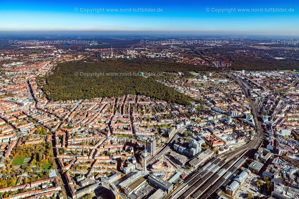 Hannover_Eilenriede_Oststadt_ELS_7179151017 | Hannover - Aufnahmedatum: 15.10.2017, Aufnahmehöhe: 628 m, Koordinaten: N52°22.711' - E9°43.801', Bildgröße: 8256 x  5504 Pixel - Copyright 2017 by Martin Elsen, Kontakt: Tel.: +49 157 74581206, E-Mail: info@schoenes-foto.de  Schlagwörter:Hannover,Luftbild, Luftbilder, Deutschland