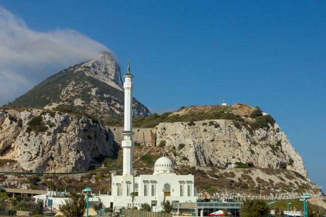 Gibraltar – Ibrahim al Ibrahim Moschee  | Die Ibrahim al Ibrahim Moschee an der südlichen Spitze von Gibraltar am Fuß des Affenfelsens.