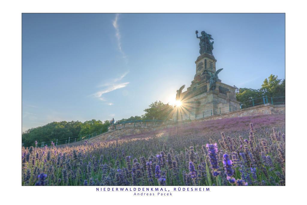 Niederwalddenkmal, Rüdesheim | Die Serie 'Deutschlands Stadtlandschaften' zeigt die schönsten deutschen Städte.