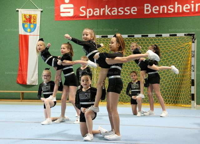 TSV_Neujahr_Cheerleader