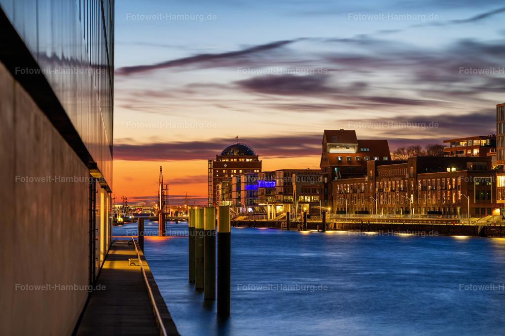 10210501 - Abend am Altonaer Hafen   Abendstimmung am Fischmarkt in Hamburg Altona.