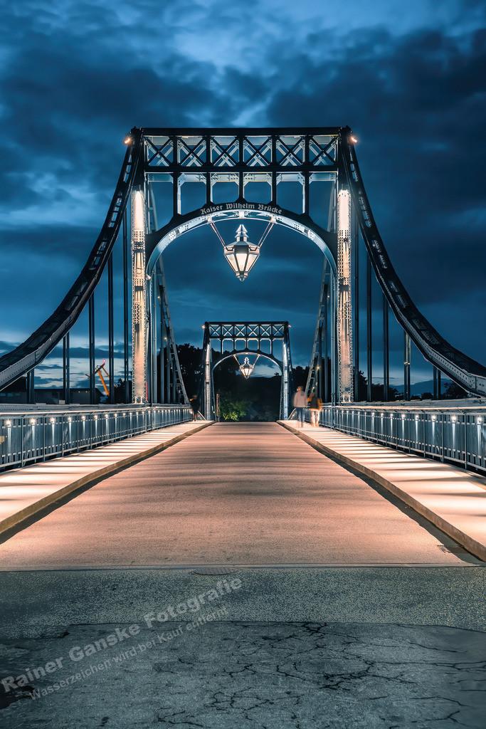 20210827-KW Brücke Wilhelmshaven bei Nacht