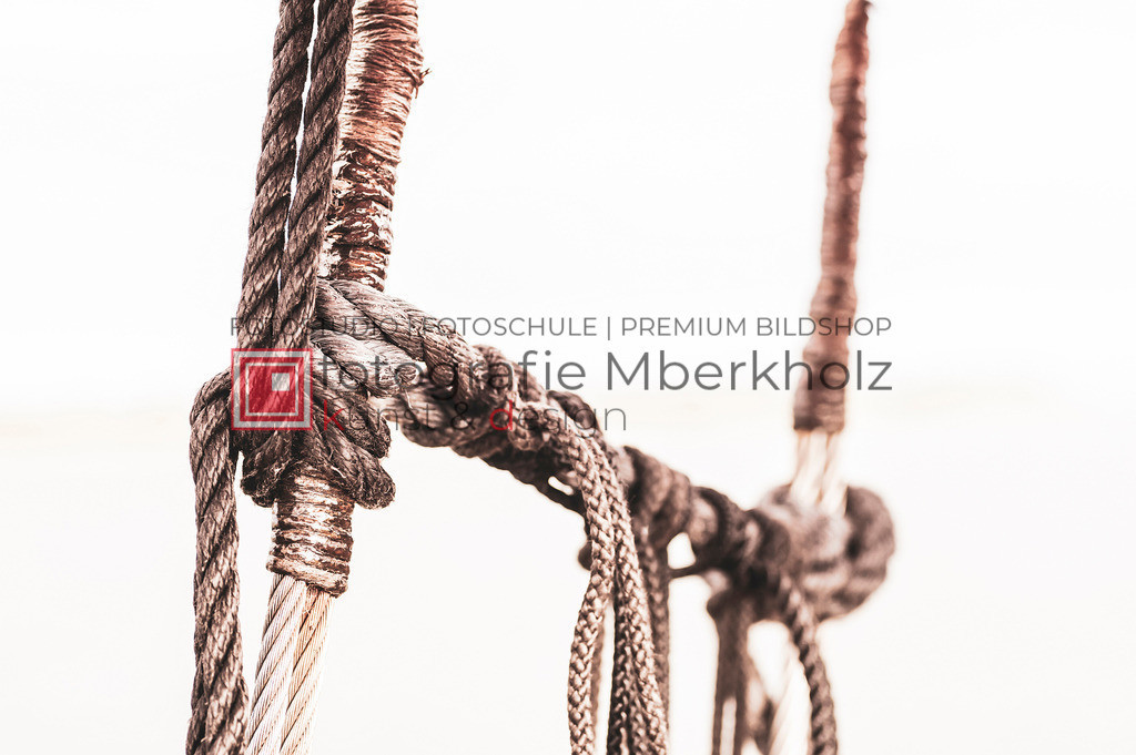 @Marko_Berkholz_mberkholz_MBE6648   Die Bildergalerie Zeesenboot   Maritim   Segel des Warnemünder Fotografen Marko Berkholz zeigt maritime Aufnahmen historischer Segelschiffe, Details, Spiegelungen und Reflexionen.