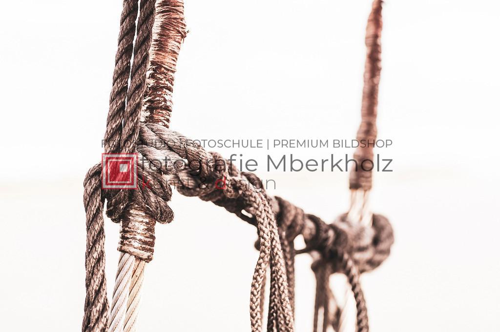 @Marko_Berkholz_mberkholz_MBE6648 | Die Bildergalerie Zeesenboot | Maritim | Segel des Warnemünder Fotografen Marko Berkholz zeigt maritime Aufnahmen historischer Segelschiffe, Details, Spiegelungen und Reflexionen.