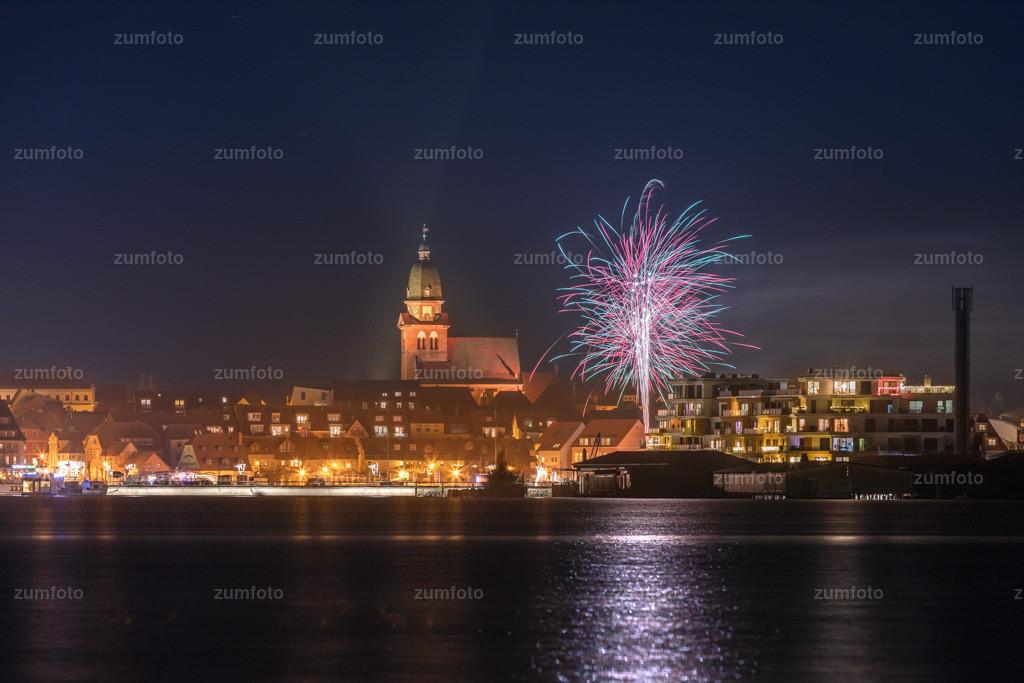 191231_2209-6145 | Wünsche euch noch einen schönen Abend! Wer hat denn eigentlich so Silvester in der Hafenresidenz verbracht. Hier ist ein Foto von 22:00 Uhr