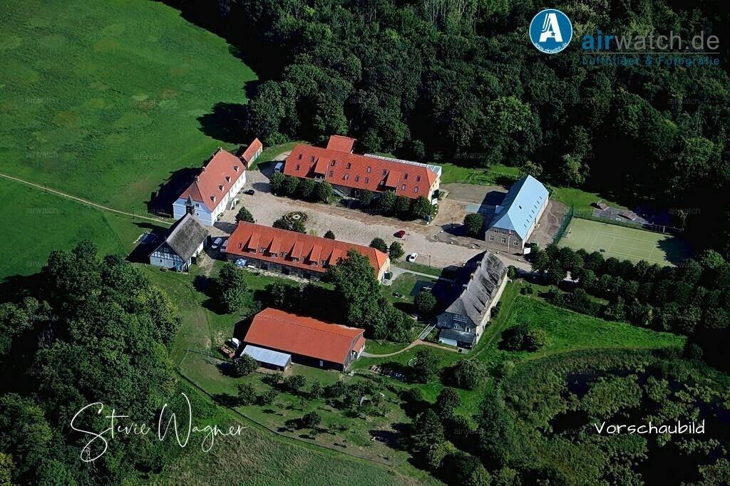 Luftbild Hof Louisenlund - Stiftung Louisenlund | Hof Louisenlund, Stiftung Louisenlund, Internat Louisenlund • max. 6240 x 4160 pix