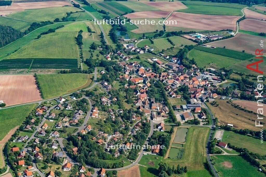 taschendorf-19-817 | aktuelles Luftbild von  Taschendorf - Luftaufnahme wurde 2019 von https://frankenair.de mittels Flugzeug (keine Drohne) erstellt.