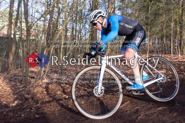 Radsport, Stevens Cyclocross Cup 2019, 10. Lauf (RSG Nordheide), Rennen 9 (Elite Herren + U23, Masters 2 / Elite Ü40 und Junioren U19), Buchholz i.d.N., 19.01.2020 | Bosse Kahlstorf (Radsportteam Uelzen, #53, Elite)