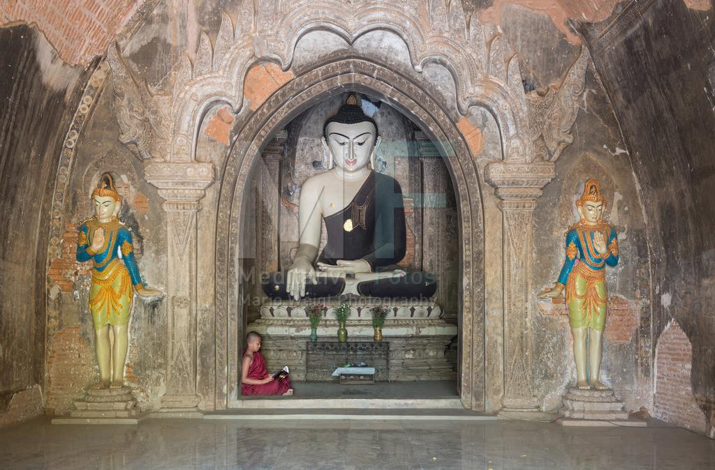 Bagan | Lernender Novize in Bagan