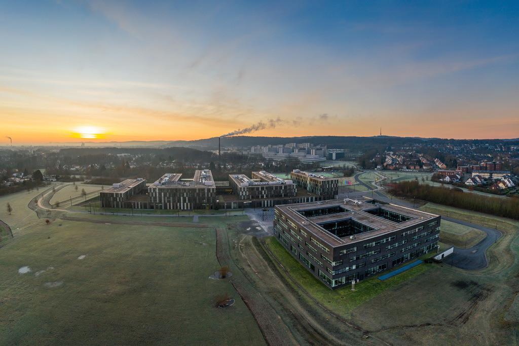 Campus Nord der Universität Bielefeld | Campus Nord, Fachhochschule und Universität Bielefeld bei Sonnenaufgang.