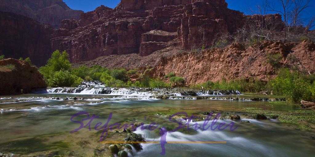 Little Navajo Falls | Sanft fällt der Havasu Creek über die Stufen der Little Navajo Falls