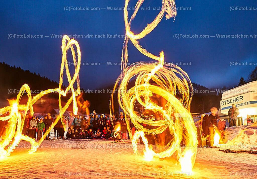 139_FIRE-ICE_Lackenhof | (C) FotoLois.com, Alois Spandl, FIRE & ICE in Lackenhof bei der Schirmbar im Weitental mit der Liveband àlaSKA, Feuershow von FEUERMATRIX, feurige Kulinarik, Pistenraupentaxi und dem großen Abschlussfeuerwerk zum Beginn der Semesterferien, Sa 2. Februar 2019.