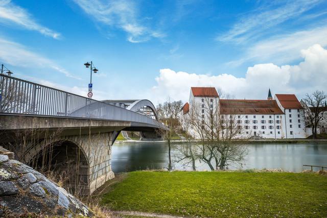 Schloßbrücke Straubing mit Herzogschloß