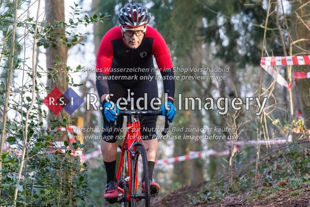 Radsport, Stevens Cyclocross Cup 2019, 10. Lauf (RSG Nordheide), Rennen 9 (Elite Herren + U23, Masters 2 / Elite Ü40 und Junioren U19), Buchholz i.d.N., 19.01.2020   Kubilay Yalcinkaya (RG Uni Hamburg, #147, Masters 2)