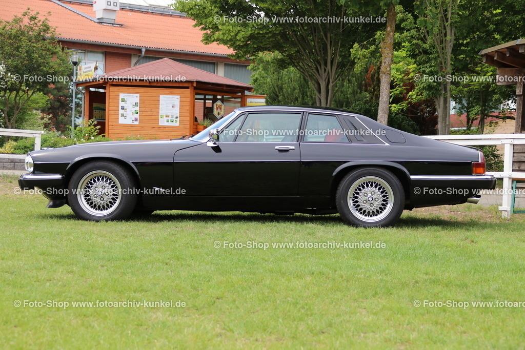 Jaguar XJS 4.0 Coupé 2 Türen (XJS Serie 3), 1991-1995   Jaguar XJS 4.0 Coupé 2 Türen, Farbe: Schwarz, Bauzeit: 1991-1995, Jaguar XJS der Serie 3, GB, UK, Großbritannien, United Kingdom, England, 6-Zylinder-Reihenmotor, Hubraum 3.980 cm³, Leistung 222 PS (ohne Kat 238 PS), Vmax. 227 km/h